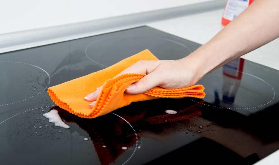 Como limpiar la placa de inducción con induclen vitroclen