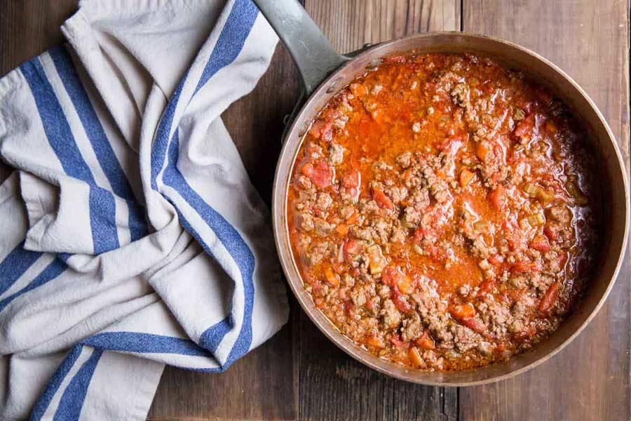 Preparación de la salsa boloñesa